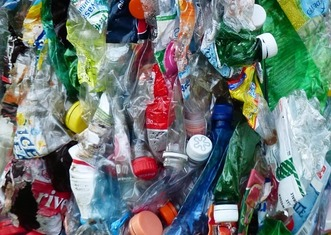Thumb plastic bottles 115087 960 720