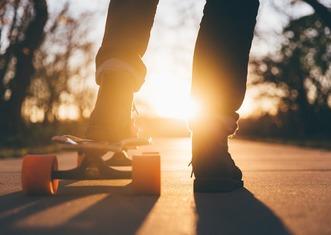 Thumb skateboard 1869727 1280