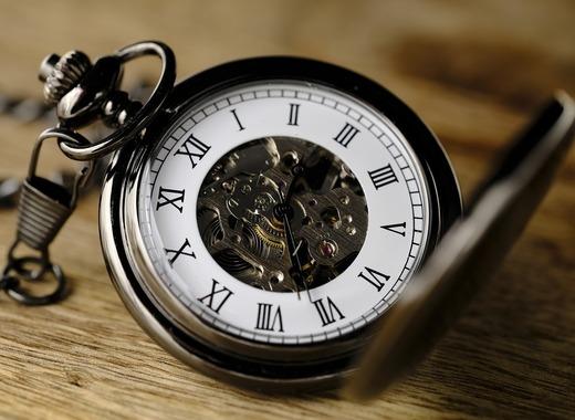 Medium clock 3179167 1280