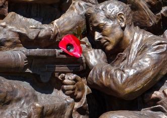 Thumb war memorial 1191941 1280