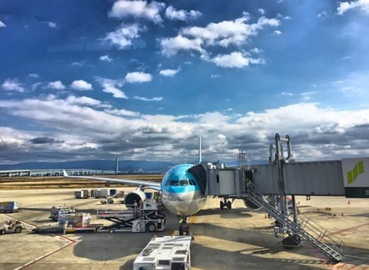 Medium plane 2077178  340