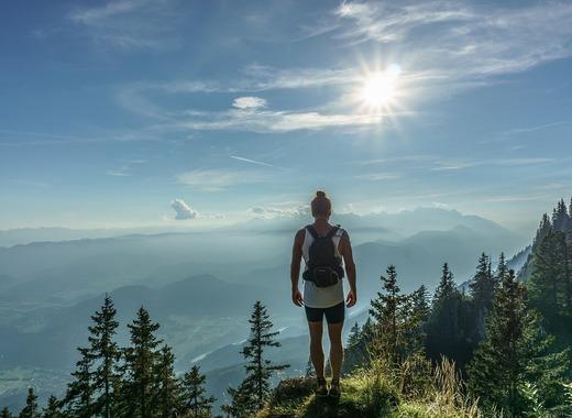Medium hiker
