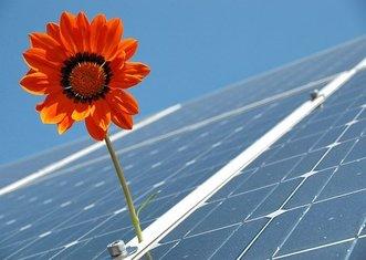 Thumb photovoltaics