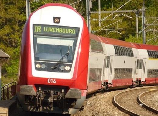 Medium train 1054874  340