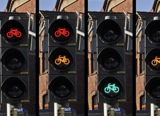 Medium traffic light