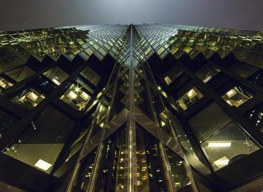 Medium skyscraper