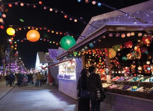 Medium champs elysee christmas market paris 1