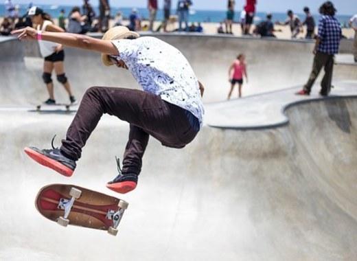 Medium skater