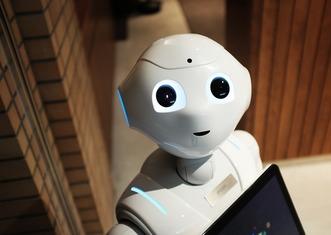 Thumb robot 2587571 960 720