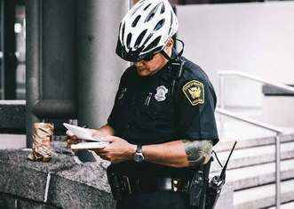 Thumb police