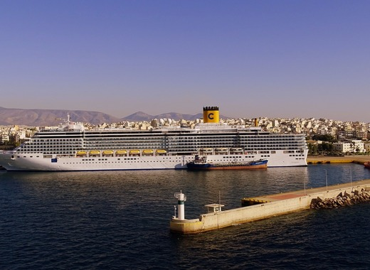 Medium portofpiraeus