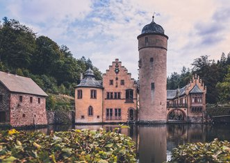 Thumb castle