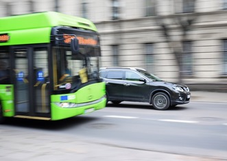 Thumb bus 2755560 960 720