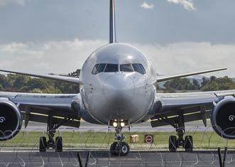 Thumb airplane