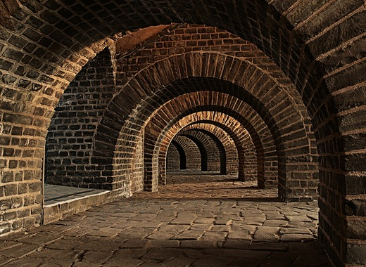 Medium tunnel