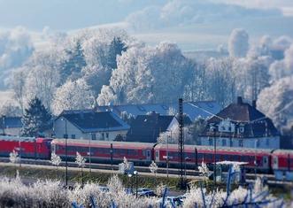 Thumb train 2947086 1280