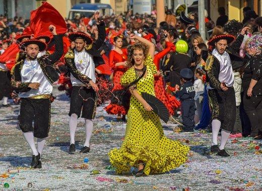 Medium carnival 4047286 1280