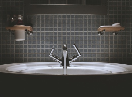 Medium bathroom 690774 1280