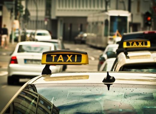 Medium taxi 1515420 1280