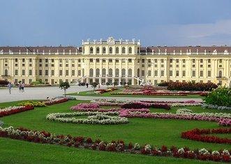 Thumb schonbrunn palace 1735571  340