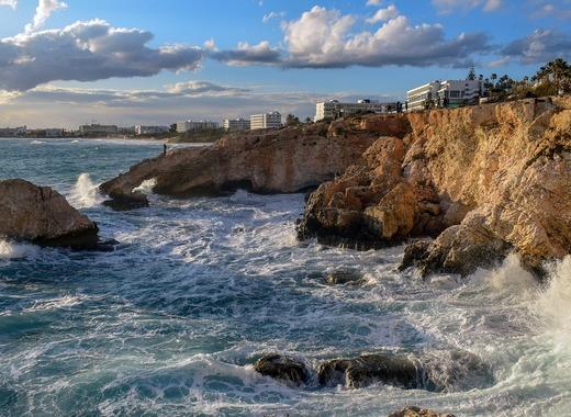 Medium rocky coast 4931777 1280