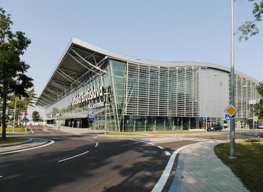 Medium bratislava airport new terminal bts
