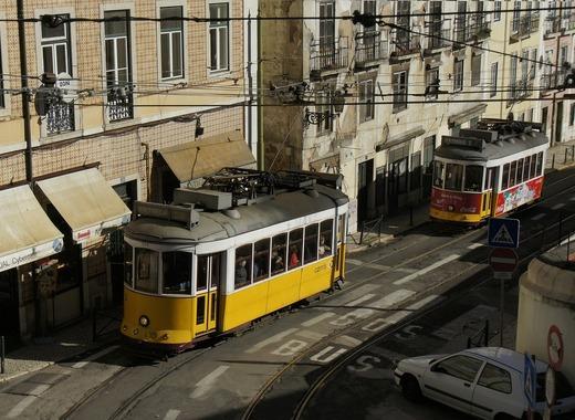 Medium tram 553195 1280