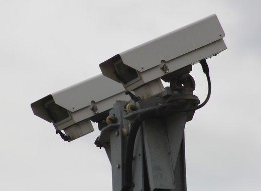 Medium security camera 834173 1280