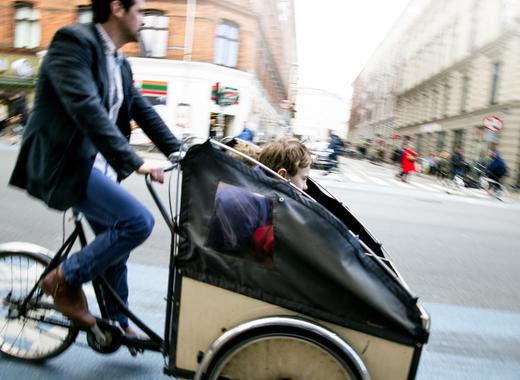 Medium cargo bike copenhagen 20130420 01f  8724864047