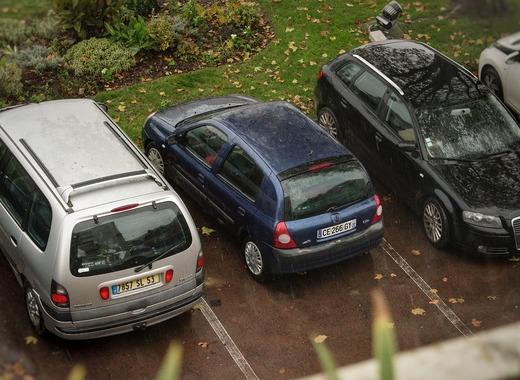 Medium car 4760008 1280