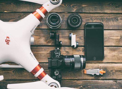 Medium drone pixabay