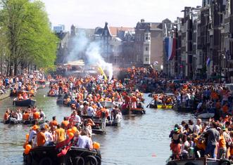 Thumb amsterdam   koninginnedag 2012   prinsengracht boats