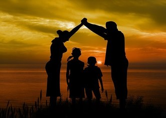 Thumb family 1466262  340