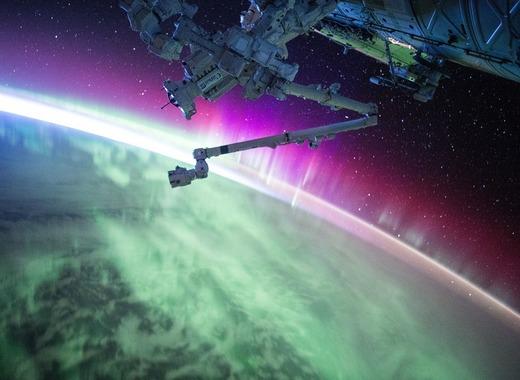 Medium satellite 1030780 960 720